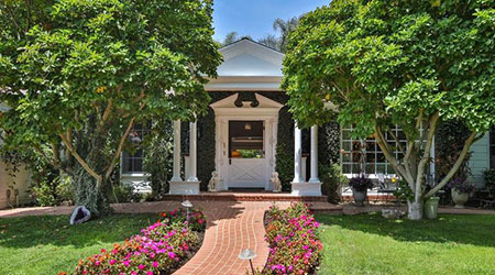 Broad Beach home once owned by Carroll O�Connor For Sale